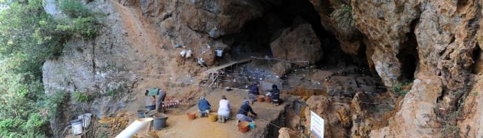 Campagna scavi Grotta della Monaca ottobre 2010.