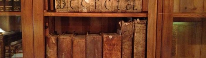 fig. 114 Palazzo Del Trono - Fondo Lanza, Decretali