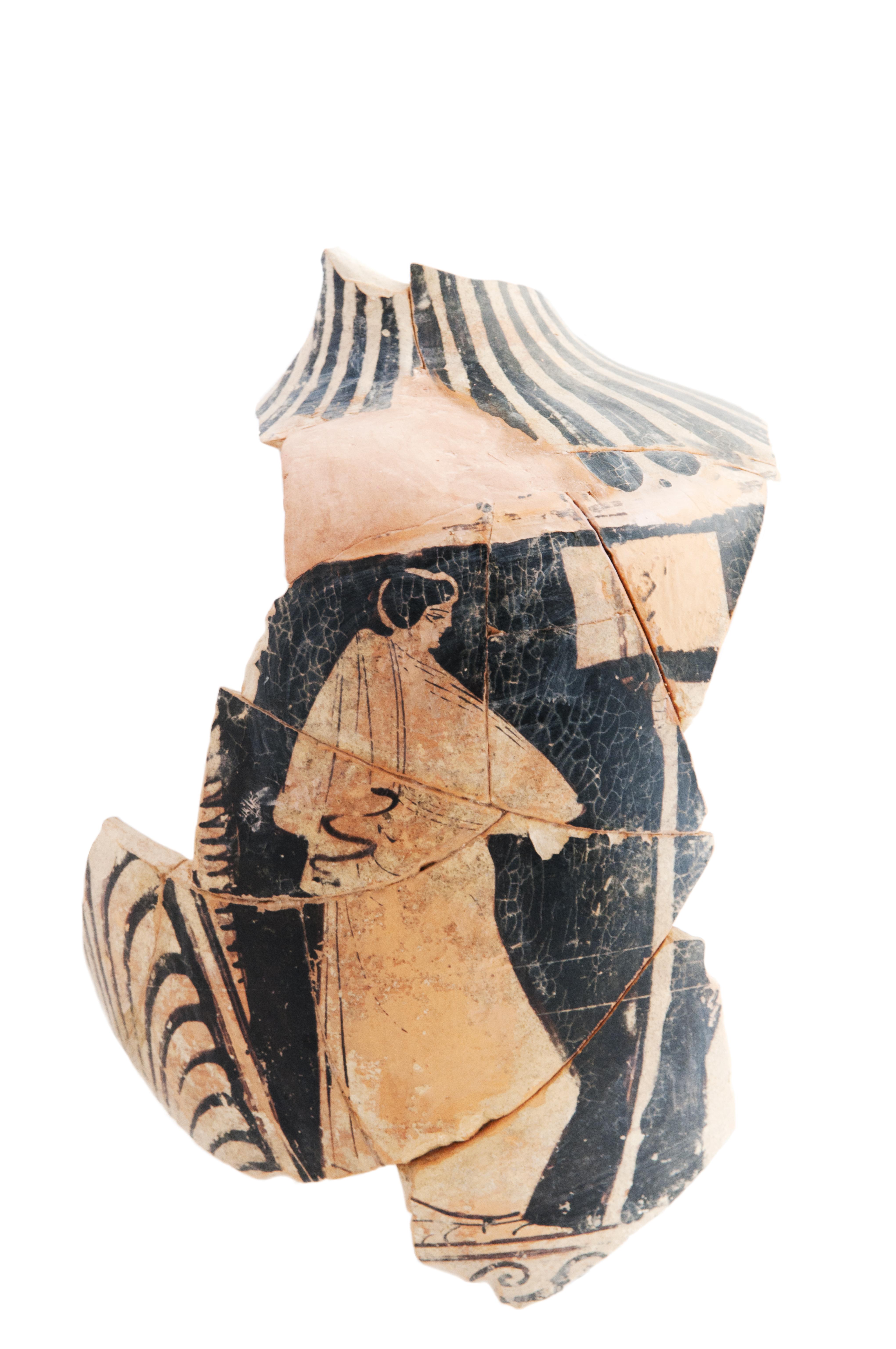 fig. 29 Anfora a figure rosse dalla Serra di Acquappesa